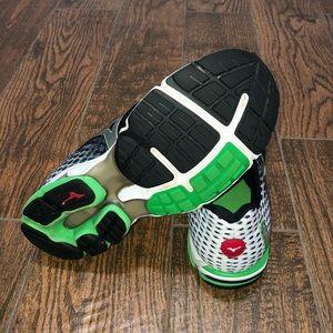 Mizuno Shoes - Men's Mizuno Wave Rider 18 Running Shoes